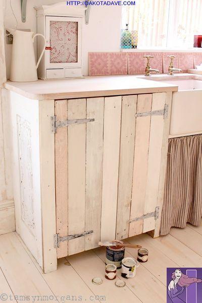 790 Vintage Decor 2018 09 Paintedfurniture Countryfurniture Country Furniture Home Decor Homedecor Bo Kuchenschranke Bauen Diy Schrankturen Paletten Designs