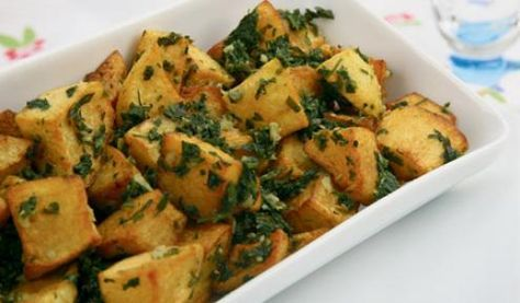 طريقة عمل بطاطا حرة Patata Harra Syrian Food Recipes Potato Recipes