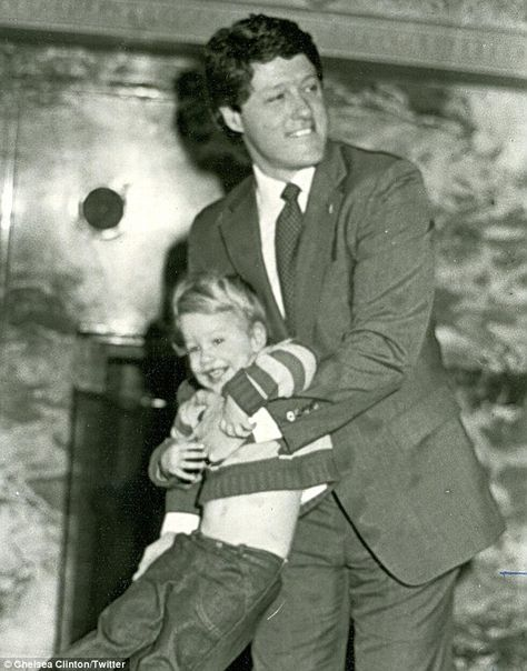 Bill clinton with his daughter Clelsea