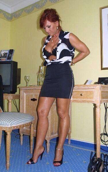 Mature lady legs