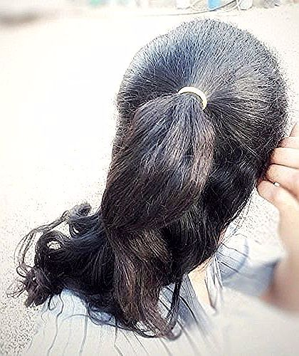تسريحة الشعر المربوط Hair Style Hairstyle Tie Ponytail Half Ponytail تسريحة شعر ذيل الحصان النصفية Hair Hairstyle Ponytail Sty Ear Cuff Earrings Ear