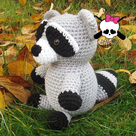Ravelry: Roxie the Raccoon pattern by Forever Stitchin
