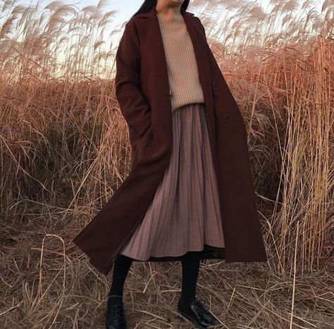 Image about fashion in clothes by 𝔪𝔞𝔯𝔦𝔢 on We Heart It Mode Outfits, Fall Outfits, Fashion Outfits, Look Fashion, Korean Fashion, Muslim Fashion, Modern Hijab Fashion, Fashion 2020, Fashion Fashion