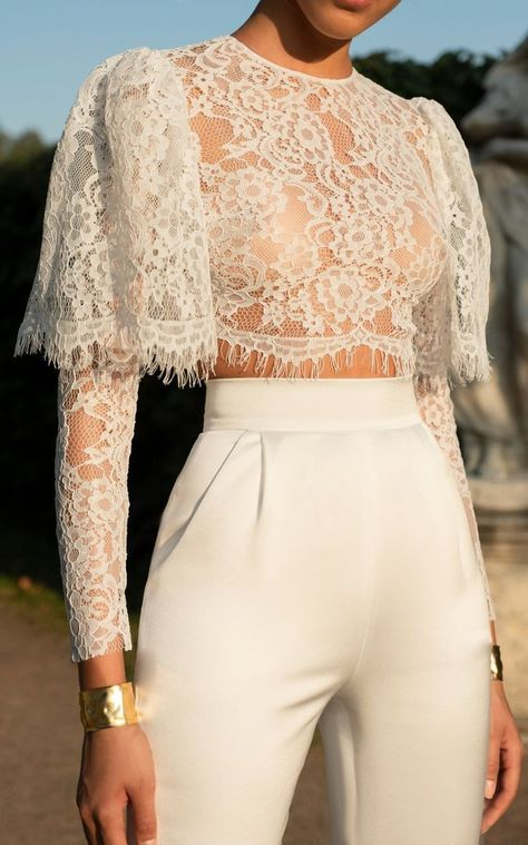Casual Sexy Hollow Out Perspective Short Style Lace T Shirt - moda