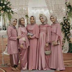 Inspirasi Gaun Pesta Muslimah Elegan Cocok Dipakai Kondangan