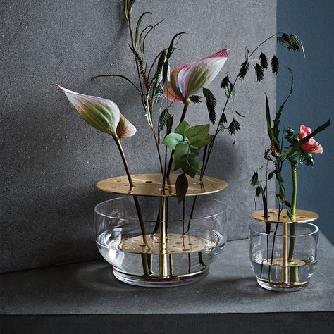 Fritz Hansen Objects Ikebana Vase by Jamie Hayon, 2016 - Designer furniture by smo . Fritz Hansen, Ikebana, Jamie Hayon, Vase Design, Design Design, Floral Design, Modern Flower Arrangements, Boconcept, Hand Blown Glass
