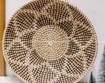 Set Of 2 Round Water Hyacinth Handmade Placemat Braided Mat Heat Resistant Hot Insulation Vintage Natural Decor Table Top Tablewares In 2021 Placemats Woven Placemats Baskets On Wall