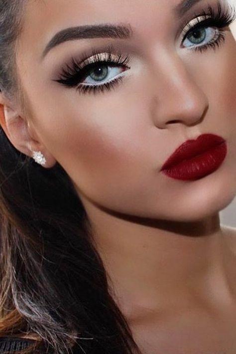 Dunkelrote Lippenstift-Make-up-Ideen Bild 3 Red Lipstick Makeup Bild Dunkelrote LippenstiftMakeupIdeen Pin Up Makeup, Red Lip Makeup, Glam Makeup, Hair Makeup, Red Lipsticks, Makeup With Red Lipstick, Red Makeup Looks, Beauty Makeup, Makeup For Gold Dress