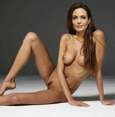 Angelina jolie naked gallery