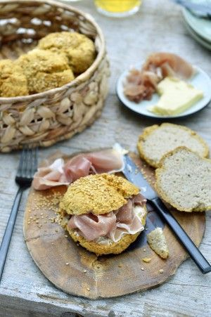 Amandelbollen Noem Het Geen Brood Pascale Naessens Lekker Eten Eten Recepten Gezonde Broodjes
