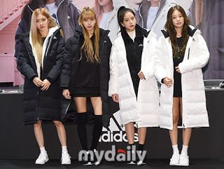 PRESS] Lisa at BLACKPINK Adidas Fansign HQ Pictures please