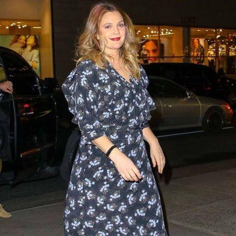 "80 Me gusta, 1 comentarios - Drew Barrymore is goddess (@drewbarrymoreisgoddess) en Instagram: ""My angel 💖  #drewbarrymore #50firstdates #lucywhitmore #etextraterrestrial #santaclaritadiet…"""