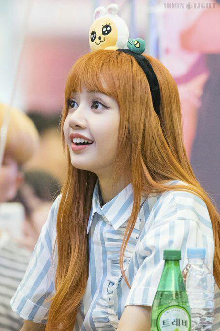 صور شخصيات Kpop صور ليسا من بلاك بينك Kpop Girls Blackpink Black Pink Kpop