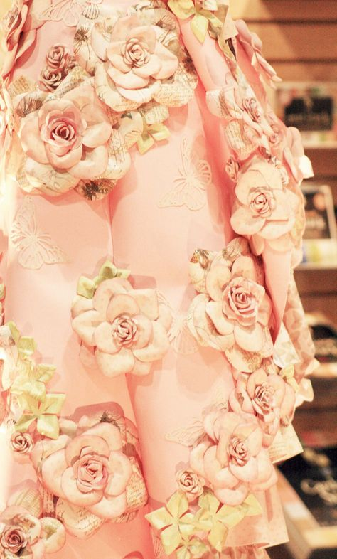 Beautiful pink flowers on this pink gown