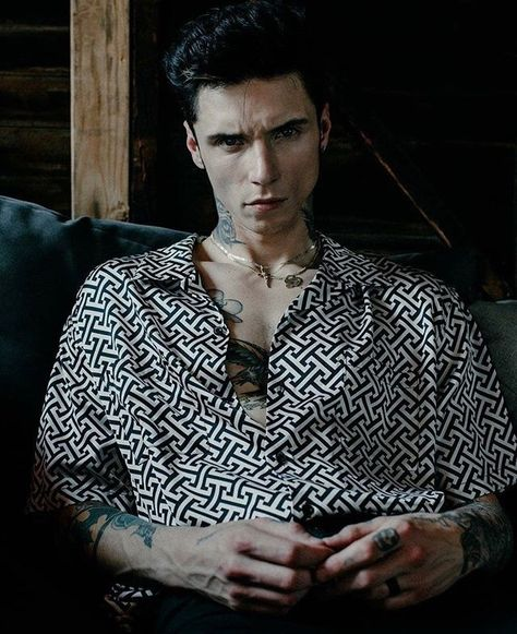 Andy Biersack Discover evilhot uploaded by Nιɢнт Cʀᴏᴡ on We Heart It evilhot Andy Biersack, Andy Black, Satan, Mitch Lucker, Sam Pottorff, Finn Harries, Black Veil Brides Andy, Brent Rivera, Carter Reynolds
