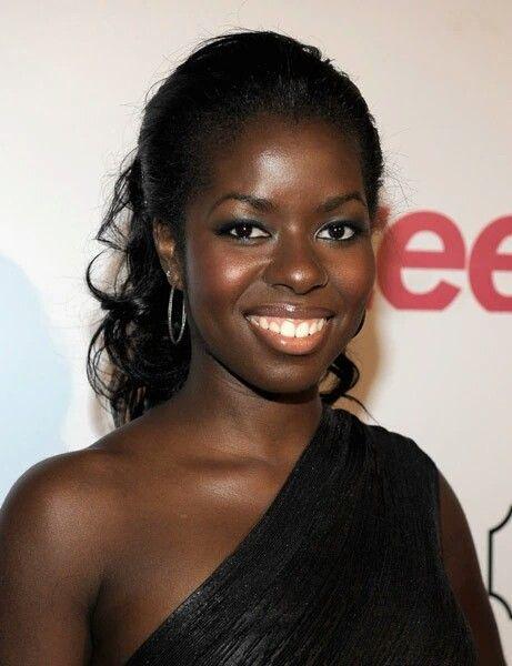 Pin By Chrissy Stewart On Celebrities 5 Dark Skin Women Beautiful Dark Skinned Women Dark Skin Beauty