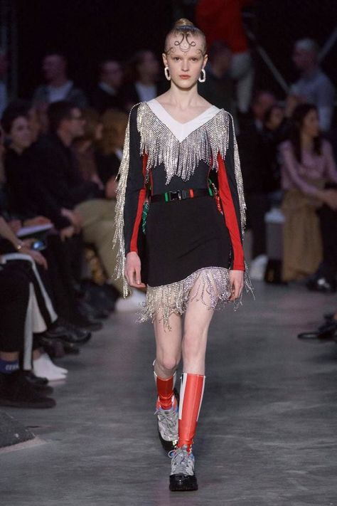 Burberry Fall 2019 Ready-to-Wear Fashion Show - Vogue