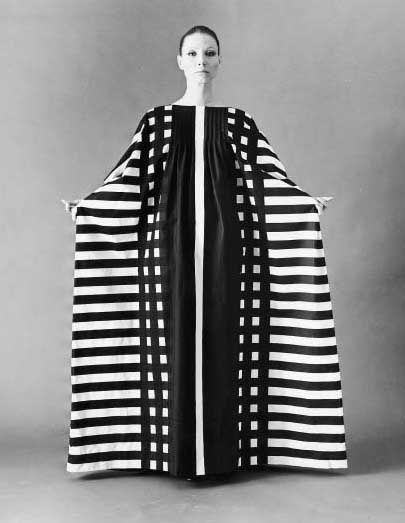 Marimekko black and white caftan