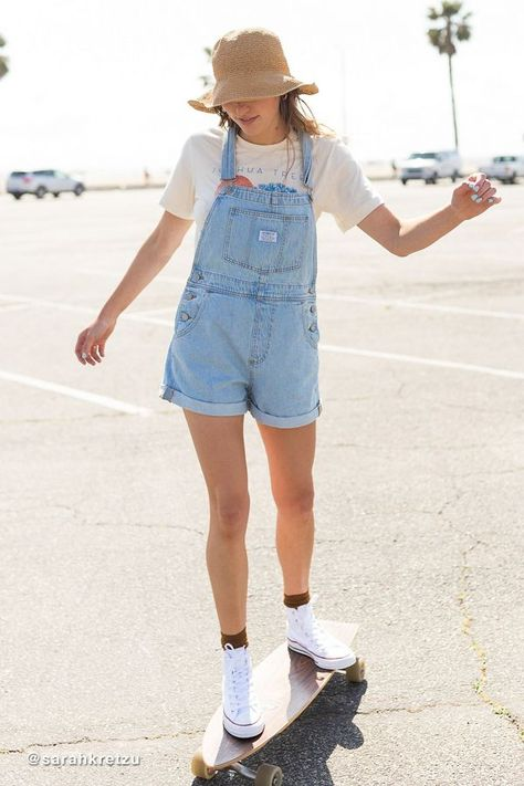 Check out Levi s Vintage Denim Shortall Overall Short And Sweet from Urban Outfitters # Cute Overall Outfits, Overall Shorts Outfit, Denim Overall Dress, Womens Overall Shorts, Overalls Women, Short Overalls, Denim Overalls Outfit, Outfits With Overalls, 90s Fashion