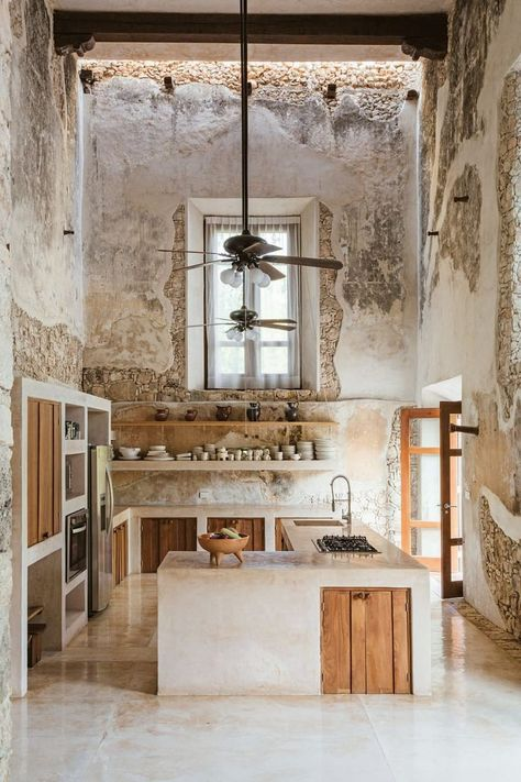 Modern kitchen preserves the historic feel of this century Hacienda located on the Mexican Yucatán Peninsula. × - Modern kitchen preserves the historic feel of this century Hacienda located on the Mexican Yuc - Home Design, Küchen Design, Modern Design, Urban Design, Cement Design, Tiny House Design, Layout Design, Japanese Home Decor, Japanese House