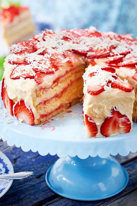 Erdbeer Creme Torte Rezept In 2020 Kuchen Rezepte Einfach