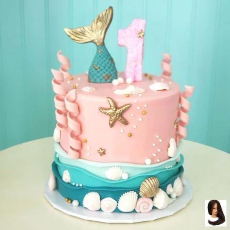 Foi um fim de semana repleto de sereias! Este é o primeiro bolo de aniversário adorável que   It was a mermaid-full weekend! This is the adorable first birthday cake that wen  Foi um fim de semana repleto de sereias! Este é o primeiro bolo de aniversário adorável que foi com o bolo do cupcake da cauda da sereia. Tudo Vanilla Ice Ice Baby . # austin #austincakes #bolo #cakedecorating #atx  The post Foi um fim de semana repleto de sereias! Este é o primeiro bolo de aniversário adorável que  appear