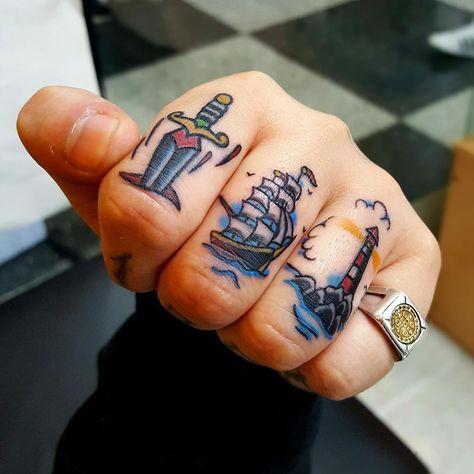 Mis deditos recién tatuados!!😍❤️ auto tattoos 💉💉 Brandsen 2458 entre aguaribay y Belem!!