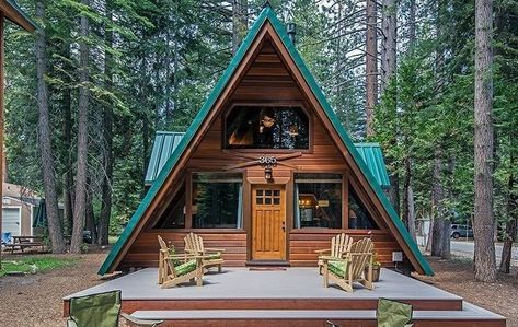 Casa Din Lemn Mica Ieftina Si Practica Construita In Forma De A Proiect Si Imagini A Frame Cabin Architecture A Frame House