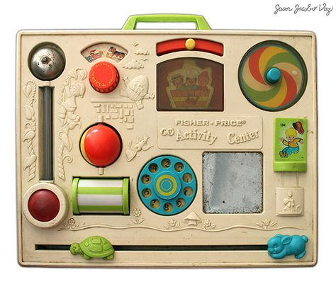 Fisher Price Activity Center I remember all these old toys! My Childhood Memories, Childhood Toys, Sweet Memories, Early Childhood, Childhood Images, Vintage Fisher Price, Peter Et Sloane, Toy History, British History