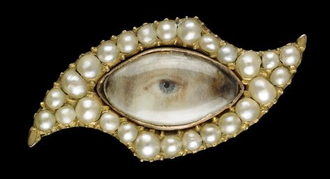 Yellow gold eye-shaped brooch with navette-shaped eye. Collection of Dr. and Mrs. David Skier. #lookoflove #eyeminiatures #loverseye