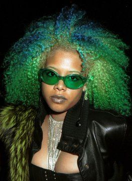 Hairspiration: Which Kelis Look Is Your Favorite Of All Time? Hairspiration: Which Kelis Hair Look I Dyed Natural Hair, Natural Curls, Dyed Hair, My Hairstyle, Afro Hairstyles, Kelis Hair, Curly Hair Styles, Natural Hair Styles, The Cardigans