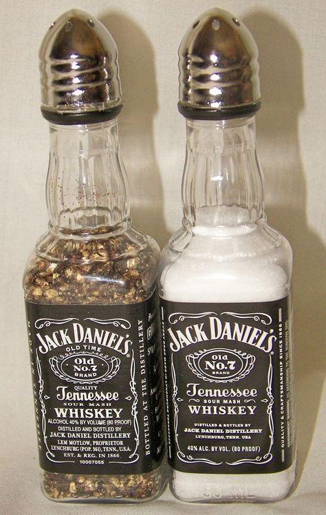 2 sets of Jack Daniel's Whiskey Salt & Pepper Shakers 50 ml Empty Liquor Bottle