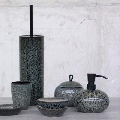 Accessoires Aus Keramik Mit Hand Aufgetragener Glasur Badezimmer Zubehor Set Badaccessoires Badezimmer Zubehor