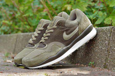 On Feet Shots Of The Nike Air Pegasus 89 Pure Platinum