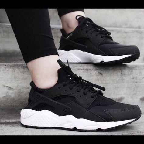 Nike Shoes | Custom Black And White Huarache | Color: Black/White | Size: 9