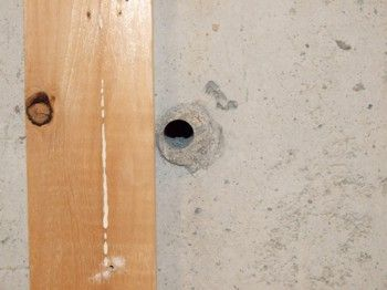 Ma Ruf How To Patch Up Holes In Concrete Wall In 2020 Basement Walls Concrete Wall Concrete Basement Walls