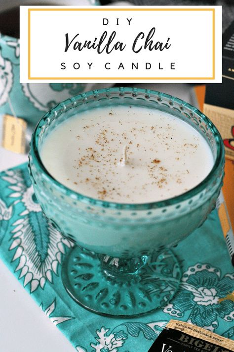 DIY Vanilla Chai Soy Candle - easy to make TeaProudly AD fromdesignersandnot # Homemade Soy Candles, Diy Candles Easy, Diy Candles Scented, Beeswax Candles, Homemade Gifts, Diy Vanilla Candles, Candle Wax, Tea Candles, Diy Vegan Candles