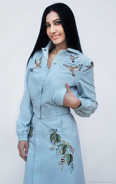 5515ad41 Уникальный костюм с ручной вышивкой