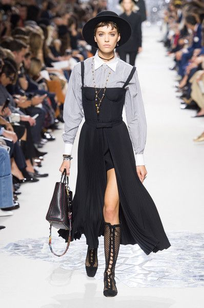 Christian Dior, Spring 2018 - The Most Beautiful Runway Gowns at Paris Fashion Week - Photos