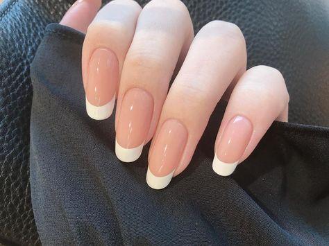 """uuu. on Instagram: """". . . 可愛い〜〜色。 とってもキレイでした。♬♬♬ . . . . . . . . #ネイルモデル #ネイル #コンペモデル #nail #ハンドモデル #hand #ネイルベッド #ケアモデル #自爪 #素爪 #美甲 #指甲 #handmodel #beautiful…"""""""