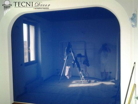 parete tesa laccato blu  by tecni decor soffitti tesi Cantiere Roma