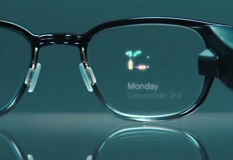 the future smartphone displays will be embedded in our eyewear Latest Technology Gadgets, Technology Hacks, Futuristic Technology, Cool Technology, Medical Technology, Tech Gadgets, Cool Gadgets, Future Inventions, Android Wear Smartwatch