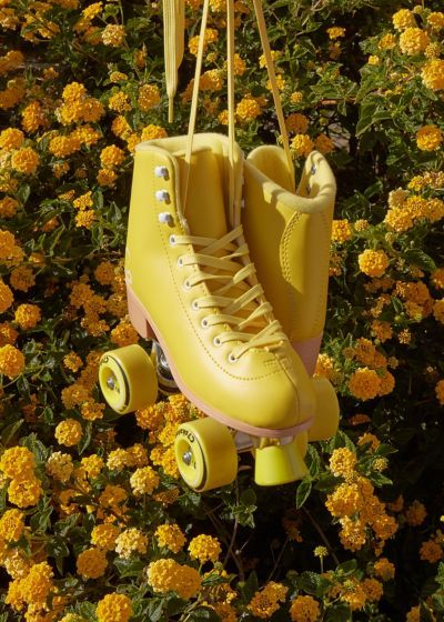 Thanks to TikTok there's a renewed interest in roller skates, and we've rounded up the cutest styles you can shop online. Retro Roller Skates, Roller Skate Shoes, Quad Roller Skates, Roller Rink, Roller Skating, Roller Skates For Sale, Roller Derby Girls, Rollers, Leather Lace Up Boots