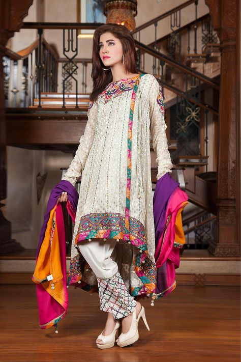 Today launched the latest Fancy Eid dresses 2017 for girls by Pakistani designers and collect Pakistani fancy dresses images to send wishes to your family