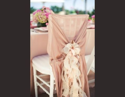 http://www.mariee.fr/reception/decoration-table/habillez-vos-chaises-.html