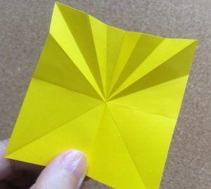 おりがみ 平面 立体 ミニひまわり 花びら12枚タイプ の作り方