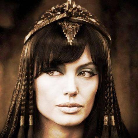 I'm still waintig for Angelina as Cleopatra!