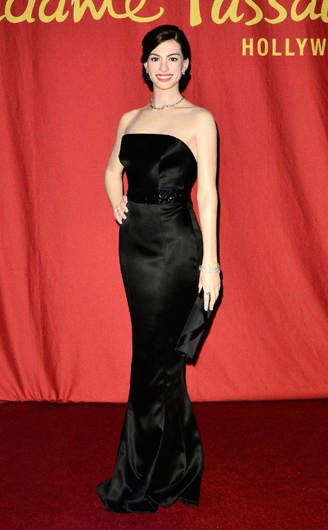 Anne Hathaway From Celeb Wax Figures Wax Museum Madame Tussauds Celebs