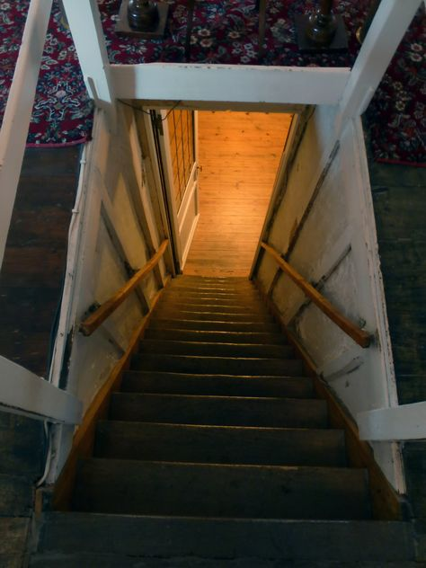 37 The Most Creative Attic Stairs Ideas For Modern Urban Homes