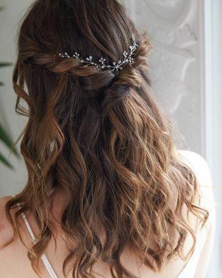 Short Floral Hair Garland In 2020 Easy Hairstyles For Long Hair Hair Garland Hair Styles